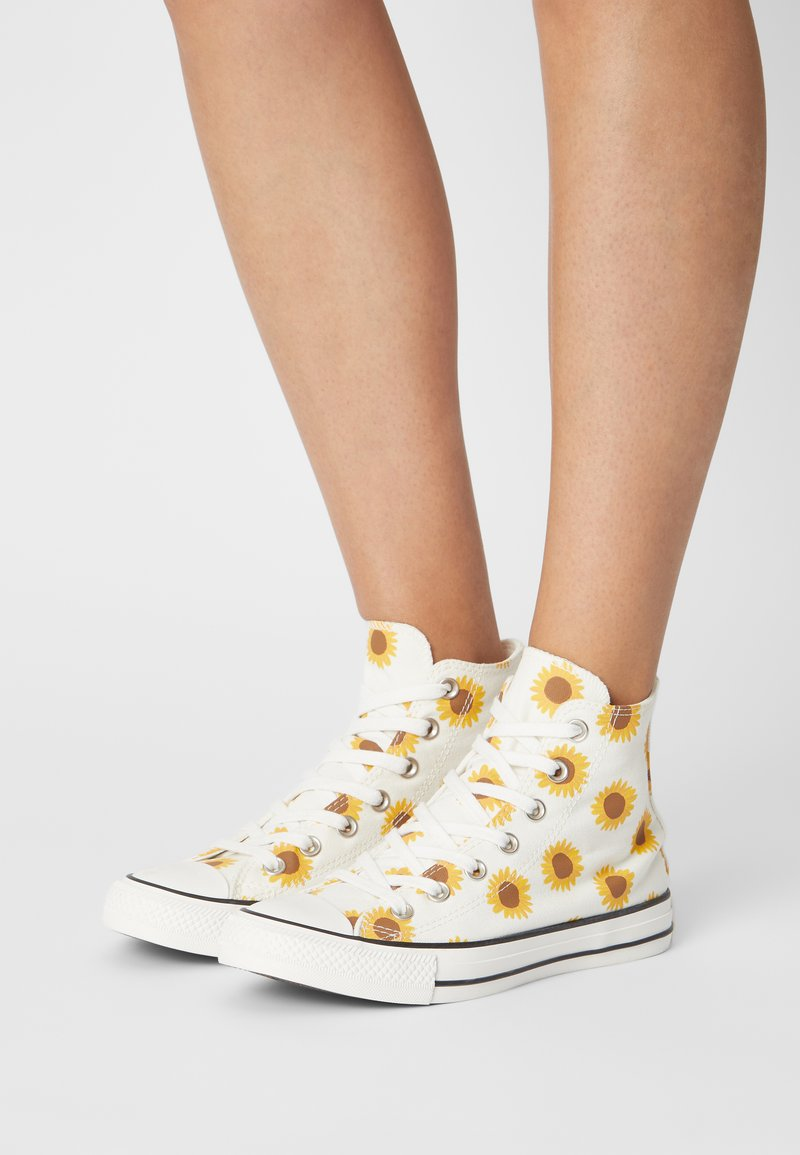 Converse - CHUCK TAYLOR ALL STAR - Sneakers hoog - egret/clove brown/amarillo