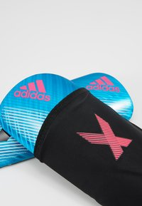 adidas Performance - X PRO - Espinilleras - bright cyan/black/shock pink - 6