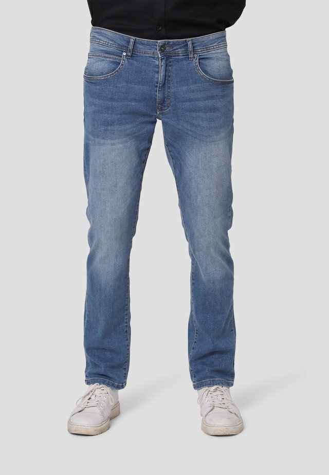 Jeans Straight Leg - soft blue wash