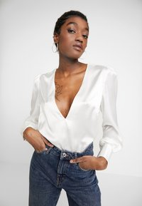 Nly by Nelly - EYE CATCHER BLOUSE - Blus - creme - 0