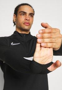 Nike Performance - ACADEMY DRIL - Sportshirt - black/white - 3
