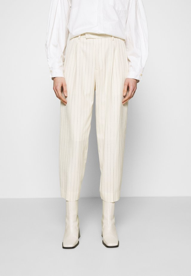 ALTA TROUSERS - Bukse - offwhite