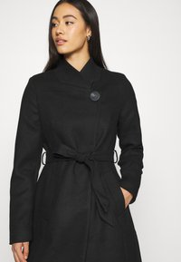 Vero Moda - VMJUHI JACKET - Classic coat - black - 4