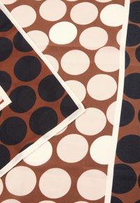 s.Oliver BLACK LABEL - Scarf - multicolered dots - 4