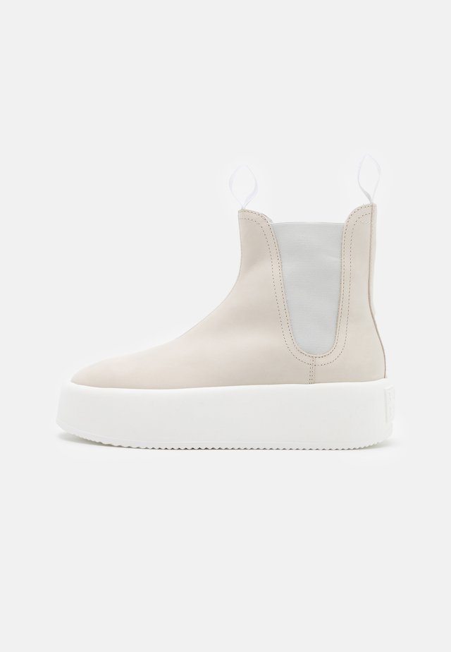 Platform ankle boots - birch white