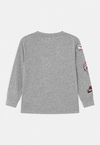 Nike Sportswear - AIR MAX BOXES - Long sleeved top - dark grey heather - 1