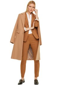 comma - MIT STITCHINGS - Blazer - chocolate camel - 1