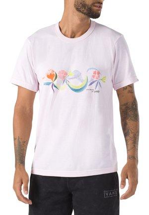 MN VANS X CHRIS JOHANSON FLORAL SS - T-shirt print - powder pink