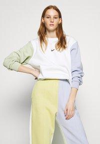 Nike Sportswear - Sweatshirt - summit white - 3