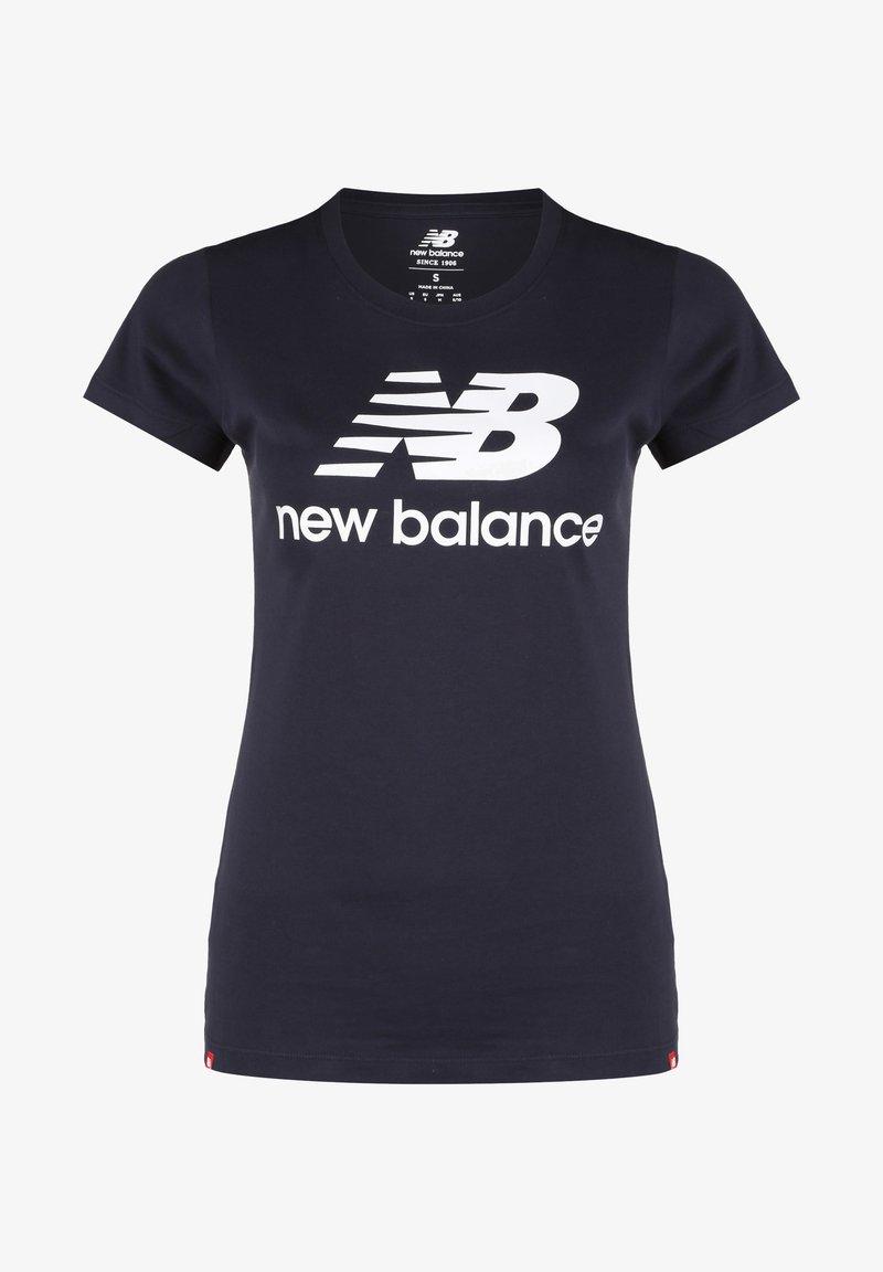 New Balance - ESSENTIALS STACKED LOGO T-SHIRT DAMEN - Print T-shirt - other black