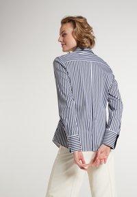 Eterna - Button-down blouse - marine/weiß - 1