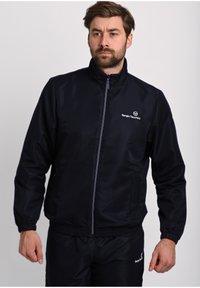 Sergio Tacchini - CARSON TRACKTOP - Training jacket - blue depths / blanc de blanc - 0
