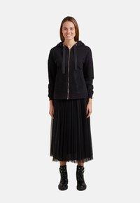 Oltre - Zip-up hoodie - nero - 1