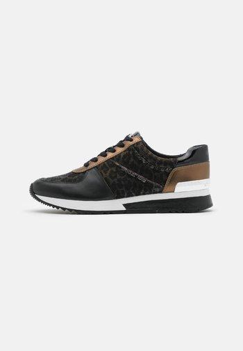 ALLIE TRAINER - Zapatillas - black/bronze