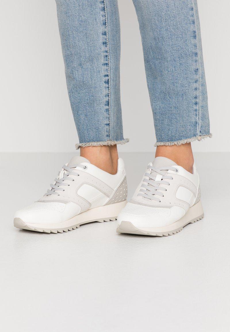 PARFOIS - Sneakers laag - white