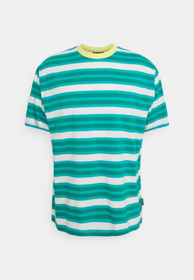 STRIPE TEE - T-shirt con stampa - green/aqua