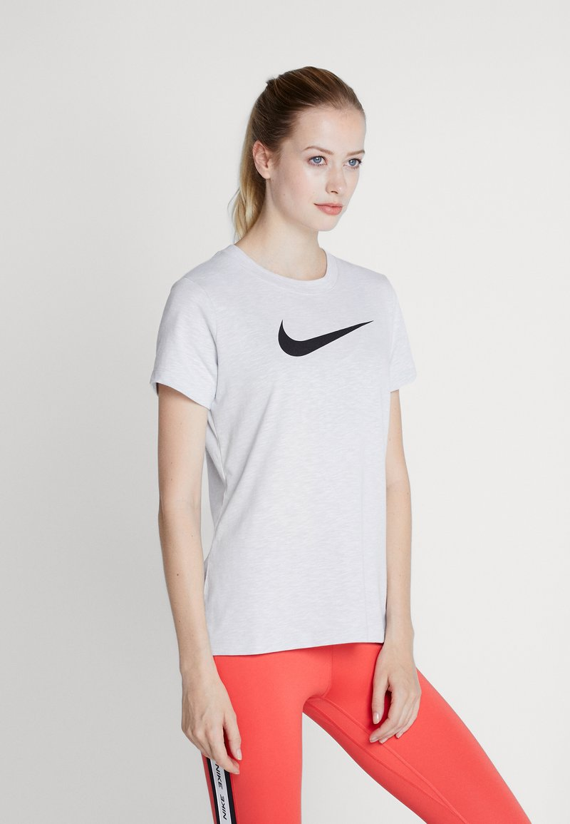 Nike Performance - DRY TEE CREW - T-shirt con stampa - white/black