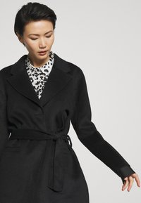 Bruuns Bazaar - POLLY GINA JACKET - Krátký kabát - black - 4