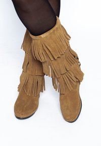 Minnetonka - 3 LAYER FRINGE - Cowboy-/Bikerlaarzen - light brown - 0