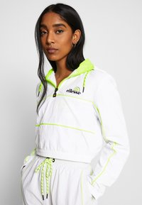 Ellesse - FESTA X SMILEY - Vindjakke - white - 0