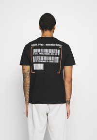 Only & Sons - ONSMILO LIFE TEE - T-shirt med print - black - 0