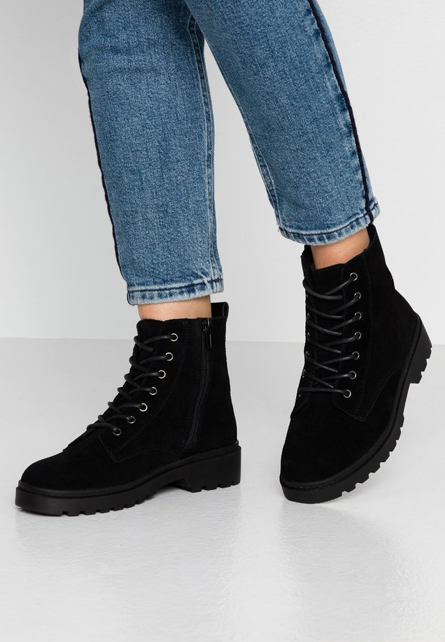 OLA LACE UP HIKER  - Veterboots - black