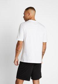Puma - TEE - Print T-shirt - puma white - 2