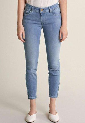 CAPRI - Slim fit jeans - blau