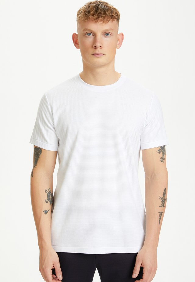 MAJERMANE RIPPLE STRIPE - T-shirt basique - white