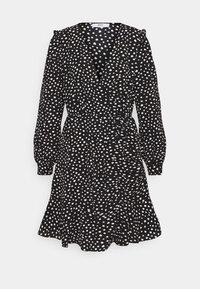 ONLSANDY DRESS - Vapaa-ajan mekko - black/white