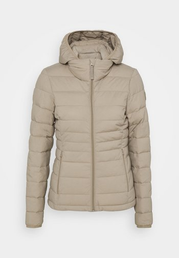 PACKABLE PUFFER POLY