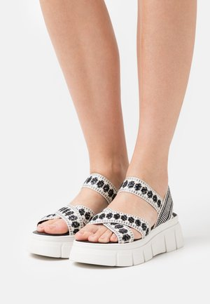 TRINITARIA  - Sandalen met plateauzool - black