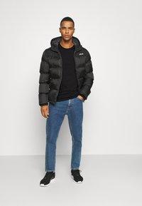 Calvin Klein - LONG SLEEVE LOGO 2 PACK - Bluzka z długim rękawem - black - 0