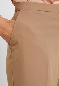 Dorothy Perkins - BOOTCUT - Trousers - light brown - 4