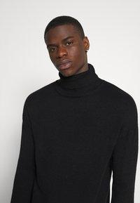 Another Influence - MADDOX  - Stickad tröja - black - 4