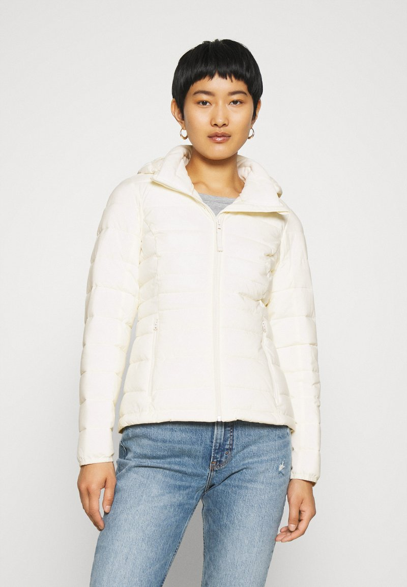Abercrombie & Fitch - PACKABLE PUFFER POLY - Light jacket - white