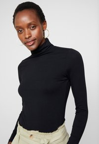 Anna Field - BASIC - Langærmede T-shirts - black - 4