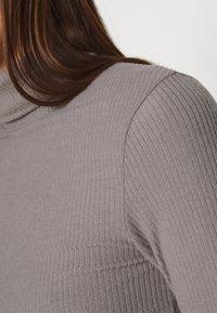 Zign - Pouzdrové šaty - mottled grey - 4