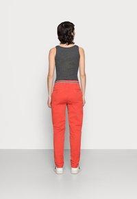 Esprit - FLOW - Chinos - orange red - 2