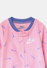 Nike Sportswear - FOOTED COVERALL - Sleep suit - pink - 2