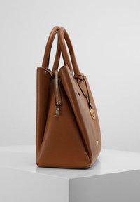 L.CREDI - Handbag - cognac - 2
