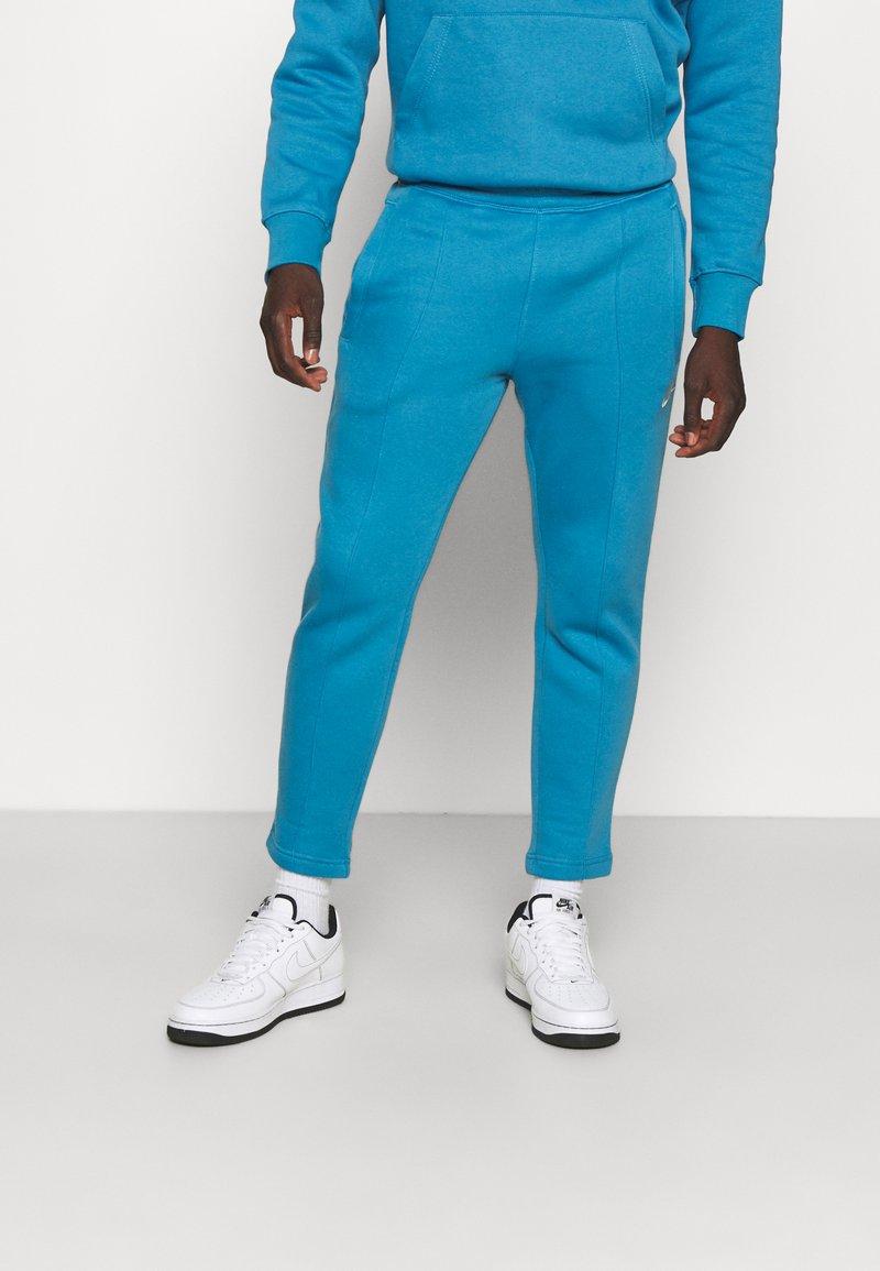 Nike Sportswear - PANT  - Spodnie treningowe - dutch blue