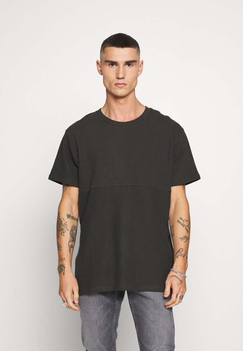 Jack & Jones - JCOOTTO TEE CREW NECK - T-shirt - bas - pirate black