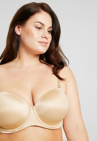 SAVAGE X FENTY - PLUS STRAPLESS BRA - Reggiseno con spalline regolabili - honey - 3
