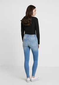 ONLY - ONLBLUSH - Jeansy Skinny Fit - light blue denim - 2