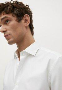 Mango - MASNOU - Camicia elegante - weiß - 5