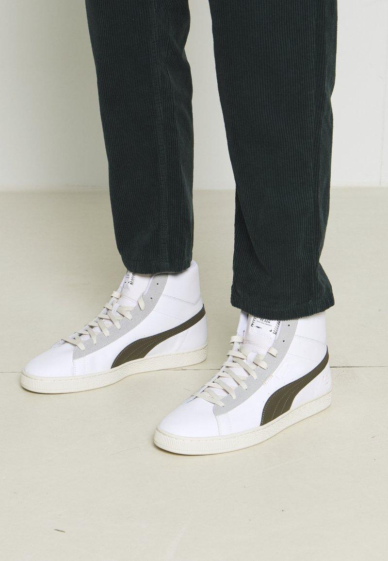 Puma - BASKET MID XXI RE.GEN UNISEX - High-top trainers - white/grape leaf
