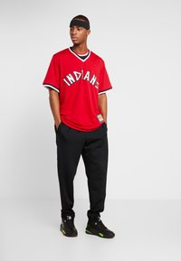 Fanatics - CLEVELAND INDIANS MAJESTIC COOPERSTOWN COOL BASE - T-shirt imprimé - red - 1