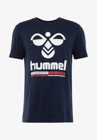 Hummel - HMLJONAS  - T-shirts print - black iris - 3