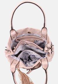 SURI FREY - ROMY BASIC - Handbag - old rose - 6